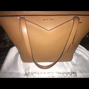 Authentic Michael Kors Purse & Dust Bag